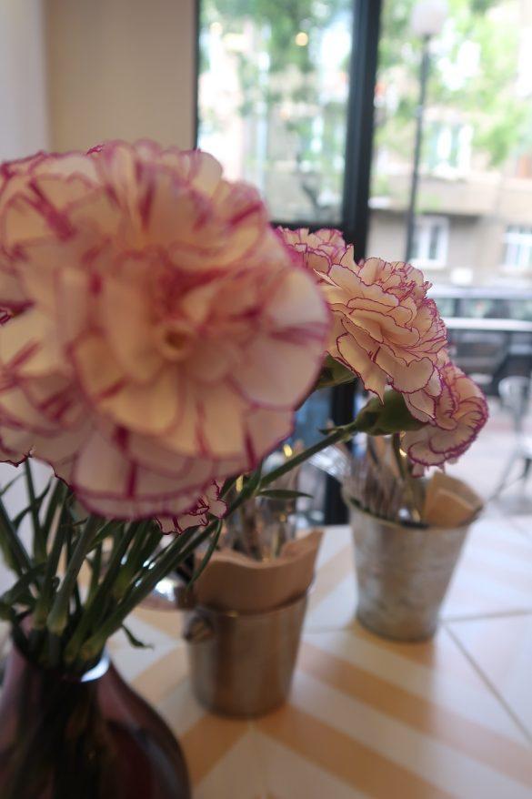 старата госпожа оборище, цветя