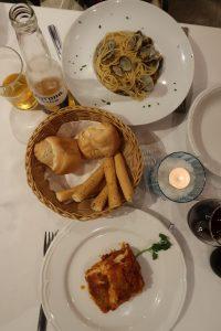 спагет, хляб, лазаня